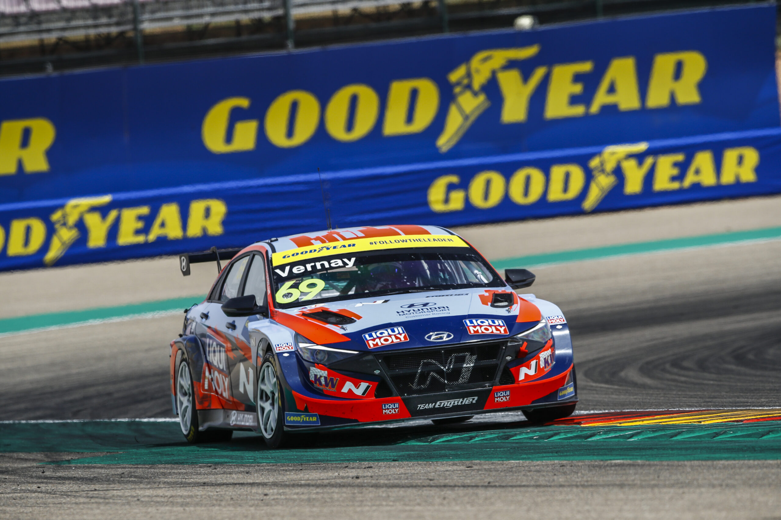Elantra N TCR driver stretches lead in FIA WTCR points