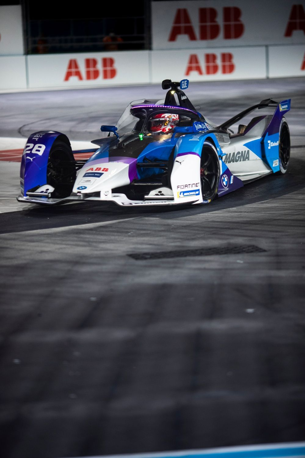 After victory in Saturday's race both BMW i Andretti Motorsport drivers in the points in London.